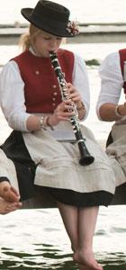 Lara, Jungklarinettistin der Hechendorfer Blasmusik