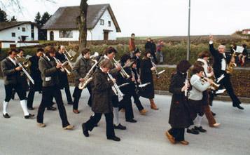 Hechendorfer Blasmusik marschiert